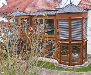 Doppelstöckiger Holz-Alu Wintergarten