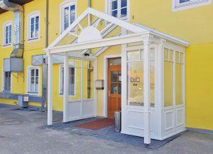 Viktorianischer Hauseingang Landhotel & Gasthof Baiernrain