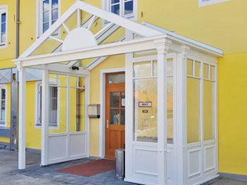 Viktorianischer Hauseingang, Landhotel & Gasthof Baiernrain